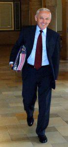 12.7.2006 Chemnitz, Rathaus/Stadtverordnetensaal. OB Dr. Peter Seifert auf dem Weg zu seiner letzten Sitzung. Foto: Heinz Patzig