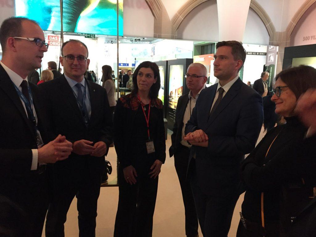 CWE Geschäftsführer Sören Uhle und Ina Klemm, Geschäftsführerin der Tourismusregion Zwickau, erläutern die Ziele der neuen Tourismusregion